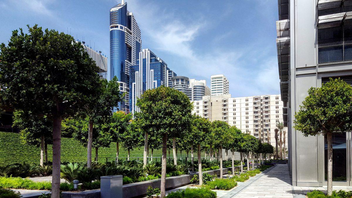 Ibis One Central World Trade Centre path