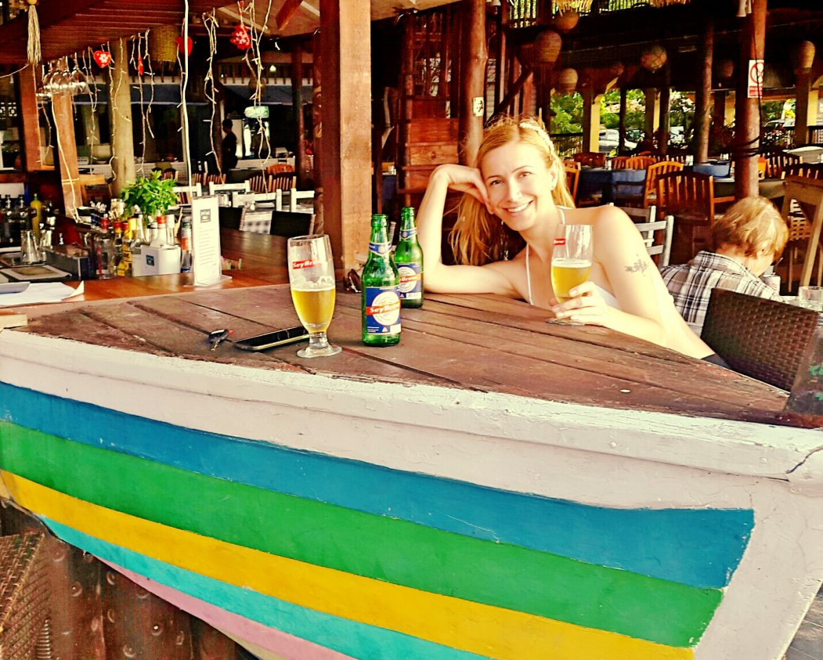Bar Beau Vallon Seychelles