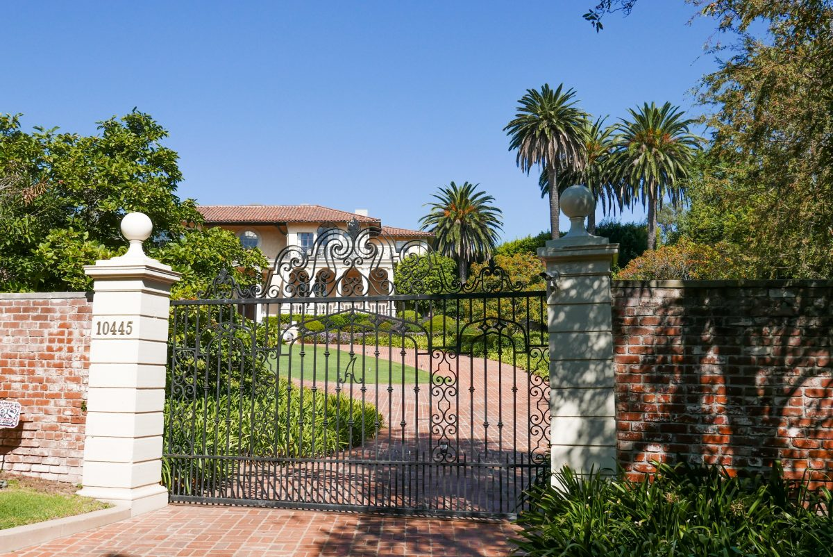 Hollywood and Celebrity Star's Homes Tour - Travel with Anda